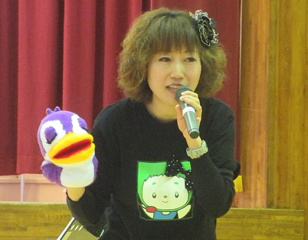 陽光台小学校 小張小学校 秋祭り! | シンガーソングライター 奥村多恵子 Taeko Okumura 陽光台小学校 のみんな〜!一年に一度お会いしていると、みんなの成長をとてもうれしく感じます!帰りに電車を待っていたら、駅で声をかけてくれた子が♪「奥村さんですか?今日はありがとうございました。僕、陽光台の6年生です、中学校にもぜひ来てください!」涙が出るほどうれしかった〜!勇気を出して声をかけてくれてありがとうね!
